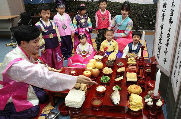 韩国秋夕节祭祖